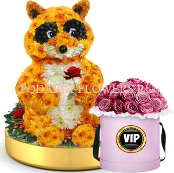 Енот из цветов на золотом подносе + Розы в шляпной коробке