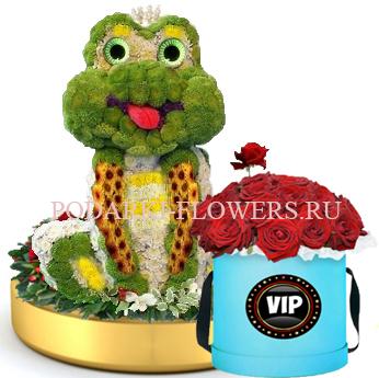 Лягушка из цветов на золотом подносе + Розы в шляпной коробке