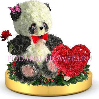 Панда из цветов + сердце из роз на золотом подносе
