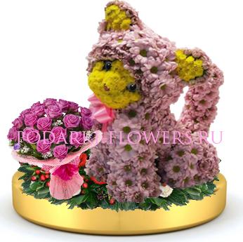 Кошка из цветов + букет цветов на золотом подносе