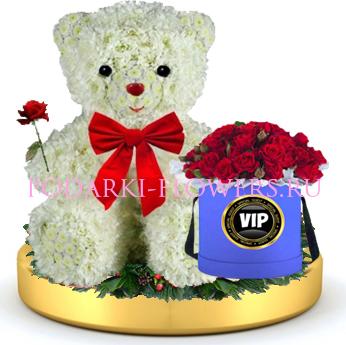 Мишка из цветов + розы в шляпной коробке на золотом подносе