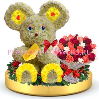 Мышка из цветов + букет цветов на золотом подносе