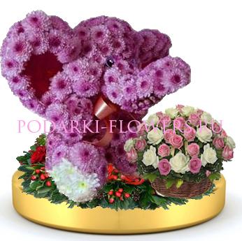 Слон из цветов + корзинка цветов на золотом подносе