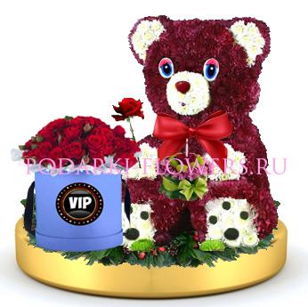 Мишка из цветов с тортом + розы в шляпной коробке на золотом подносе