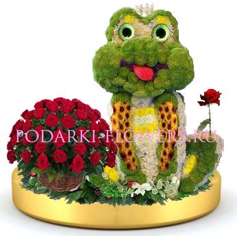 Лягушка из цветов + корзинка цветов на золотом подносе