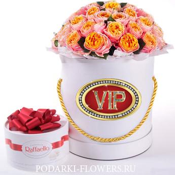 """Пионовидные розы Голден """"Вувузела"""". 9-31 шт. Цветы в шляпной коробке"""