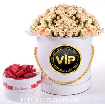 """Розы """"Свит Сара"""". 29-61 шт. Цветы в шляпной коробке"""