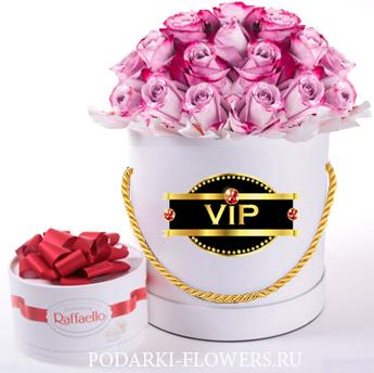 """Эквадорские розы """"Deep Water"""". 29-61 шт. Цветы в шляпной коробке"""