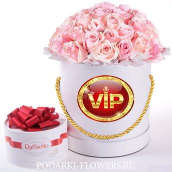 Нежно-розовые розы. 29-61 шт. Цветы в шляпной коробке