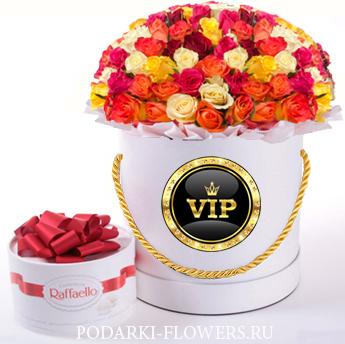Микс из роз. 29-61 шт. Цветы в шляпной коробке