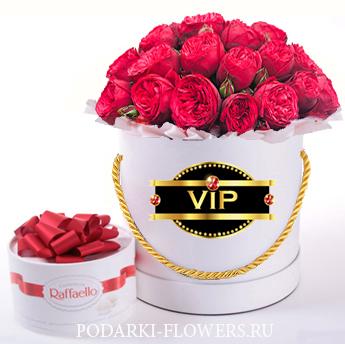 """Пионовидные розы """"Red Piano"""". 9-31 шт. Цветы в шляпной коробке."""