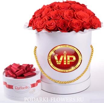 Букет красных роз «Сенсация». 29-61 шт. Цветы в шляпной коробке