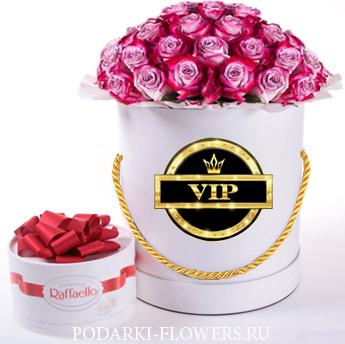 """Розы """"Дип Перпл"""". 29-61 шт. Цветы в шляпной коробке"""