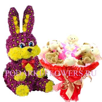Зайчик из цветов + букет из игрушек
