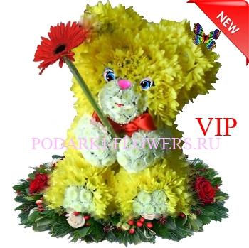 Мишка из живых цветов