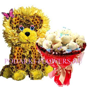 Лев из цветов + букет из игрушек