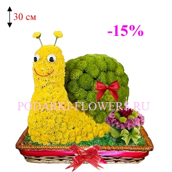 Улитка из цветов с тортом