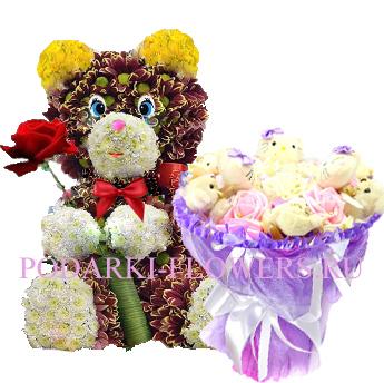 Мишка из цветов + букет из игрушек