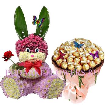 Зайчик из цветов + букет из конфет