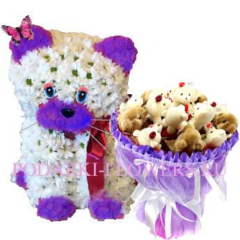 Кошка из цветов + букет из игрушек
