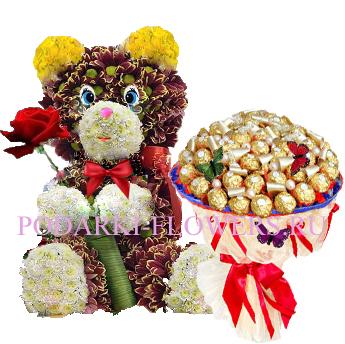 Мишка из цветов + букет из конфет