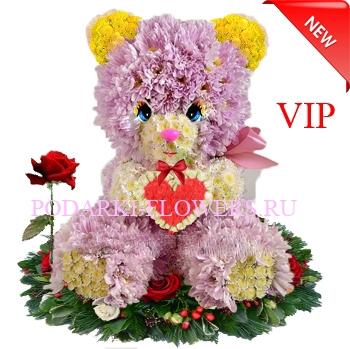 Мишка из цветов с сердцем